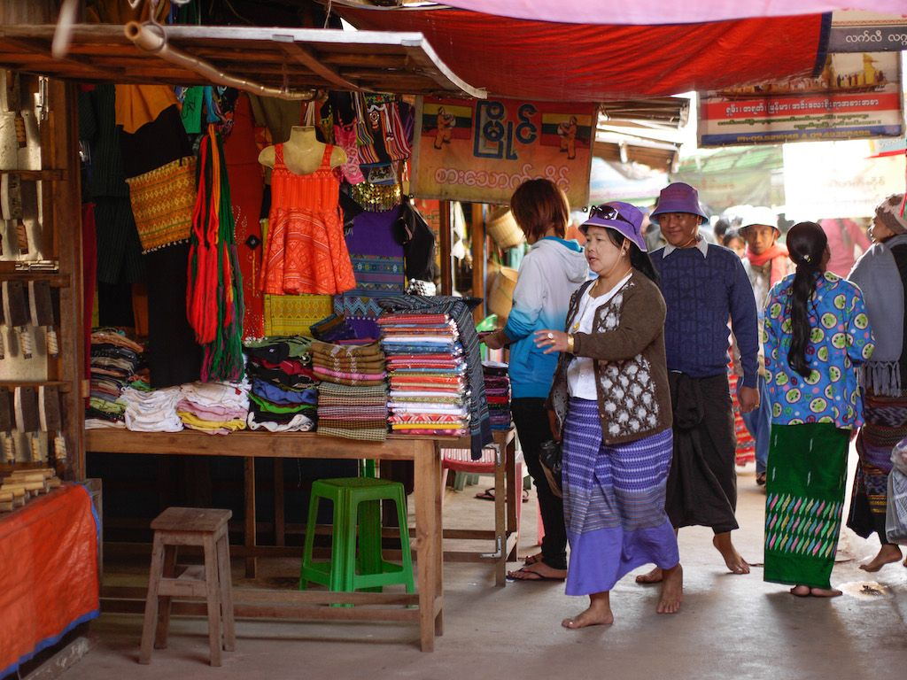 Town market, Myanmar. Photo: ADB.