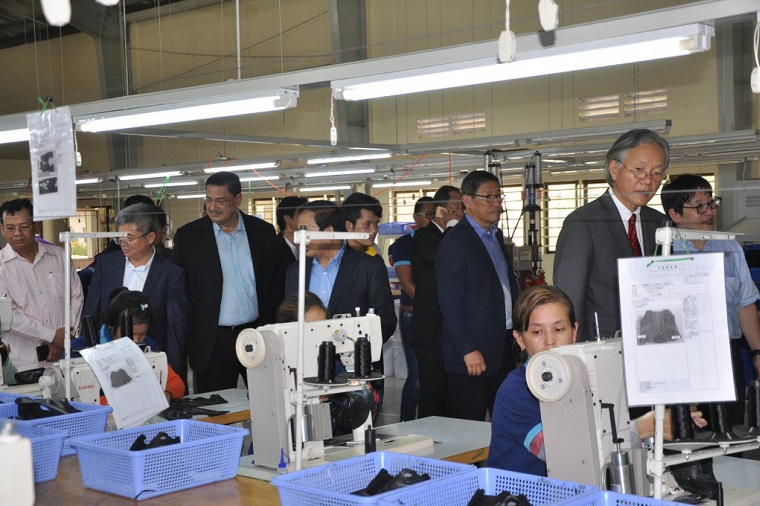 The group visited a shoe factory at the Bavet Industrial Park. Photo: ADB Cambodia Resident Mission.